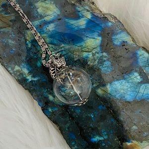 Dandelion necklace! 💚